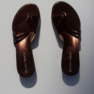 ELLEN TRACY bronze leather sandal 91/2 N.